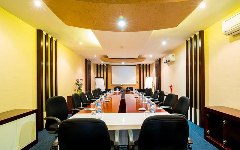 Mafia Boardroom of Best Western Plus Peninsula Hotel