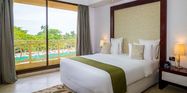 Best Western Plus Peninsula Hotel Deluxe King at Tanzania