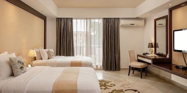 Peninsula Hotel Deluxe Twin at Tanzania